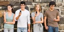 фото для статьи блога - Сильно ли может повлиять телефон на жизнь подростка?
